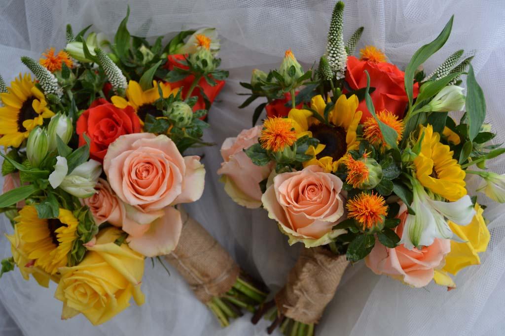 Bridesmaids flowers, bouquets - Flowers inc. Nueva Andalucia